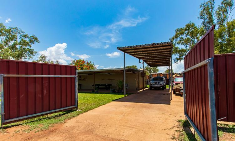 LARGE FULLY FENCED BACK YARD AND BOAT PORT! PRICE ADJUSTED TO MEET THE MARKET!