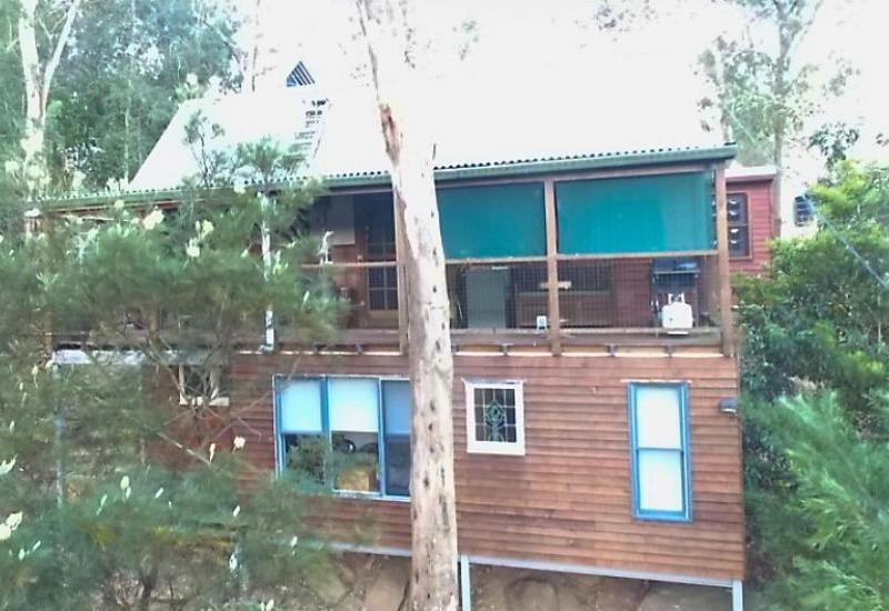 FULLY FURNISHED TREE HOUSE - SLEEPS 8