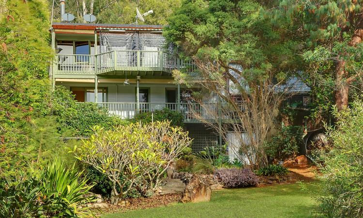 Riverside Living - Permanent Residence or Peaceful Weekender Close To Wisemans Ferry
