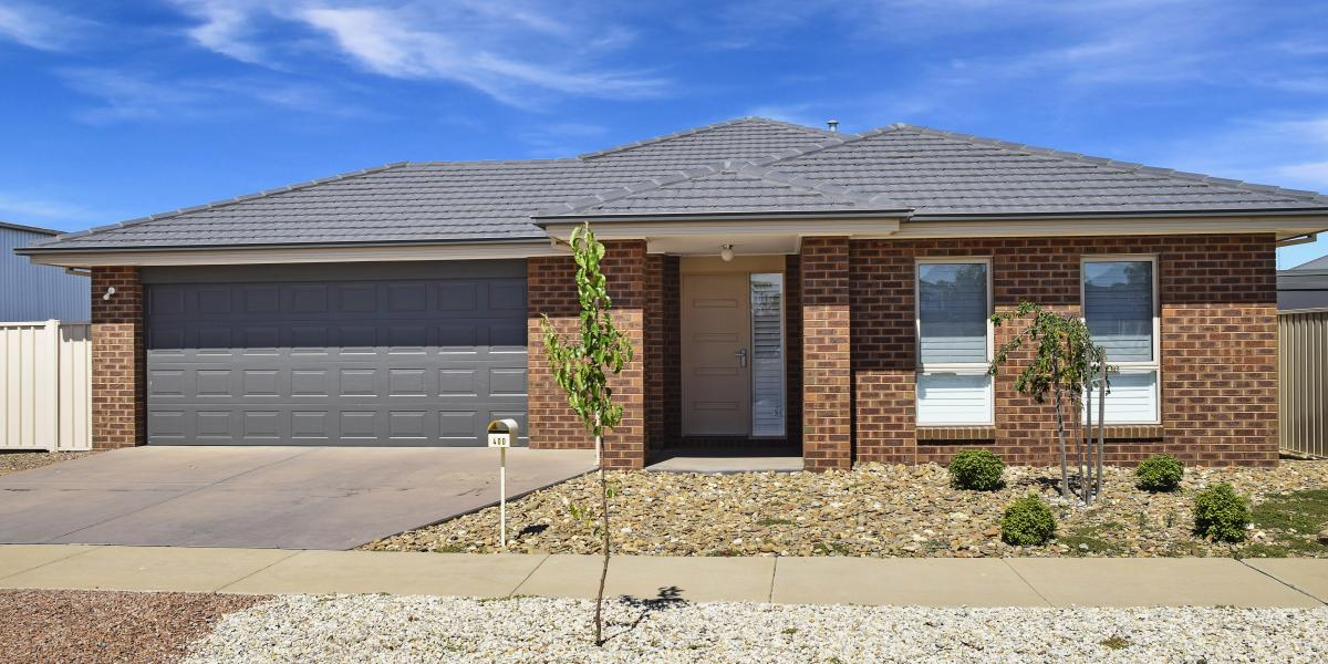Near New 4 bedroom Home - Popular North - Close to GV Health