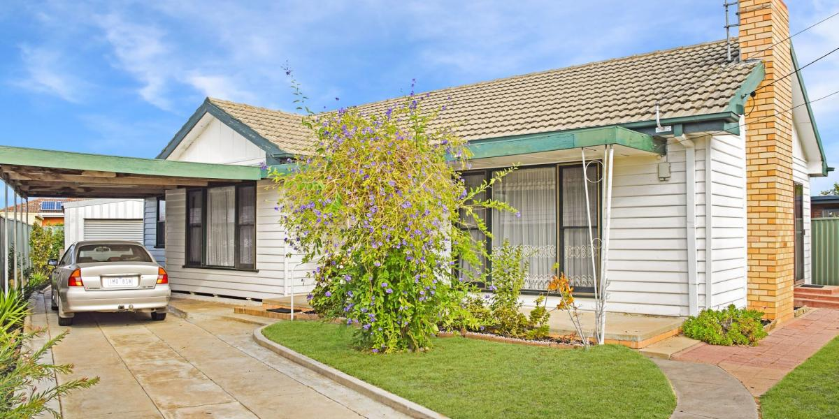 Investors - 1st Home Buyers - Excellent South Central Location