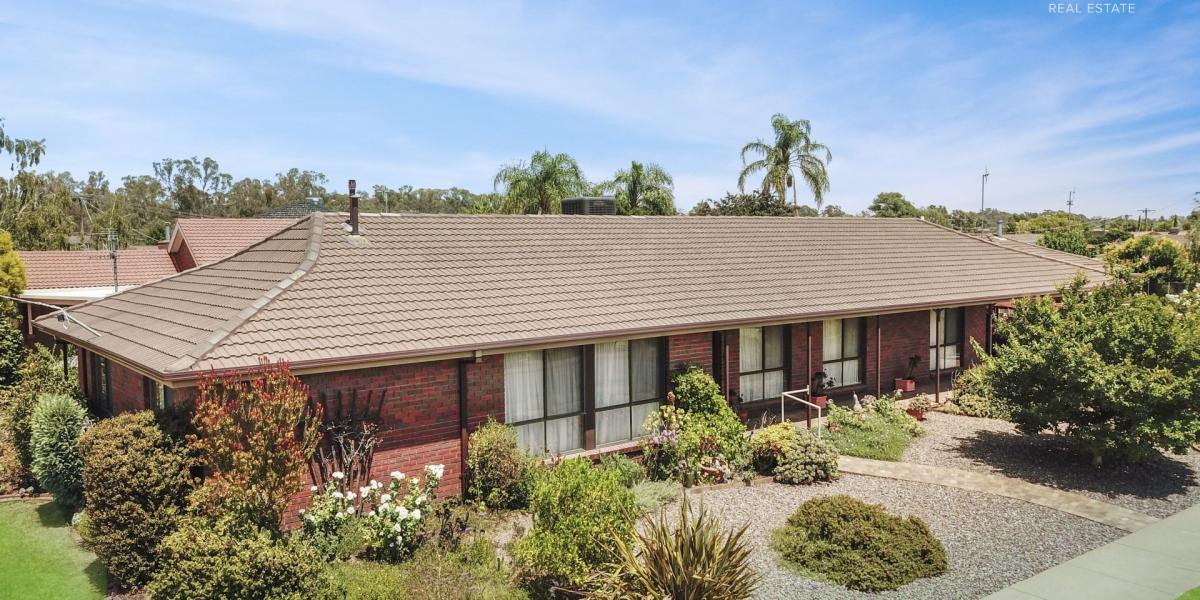 Highly Sought After River Park Estate, Well Presented 3 Bedroom + Study