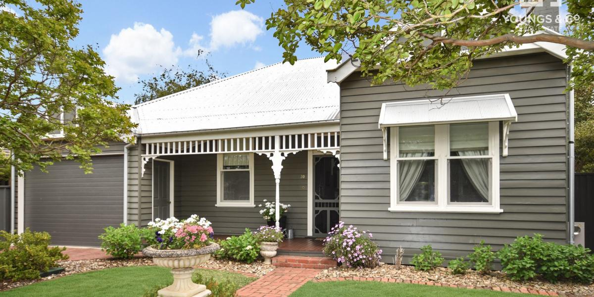 Beautifully Presented Family Residence in the Centre of Shepparton!