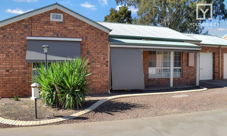 GREAT LOCATION - ATTENTION RETIREES OR INVESTORS