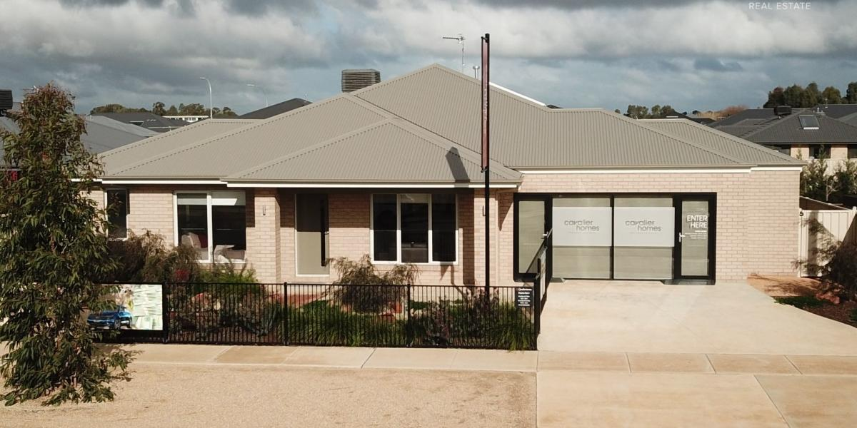 Beautiful, Brand New Four Bedroom Display Home - PARKDALE